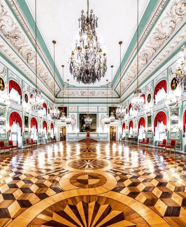 Большой Петергофский дворец, Санкт-Петербург