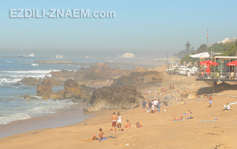 океанские пляжи на западе Порто