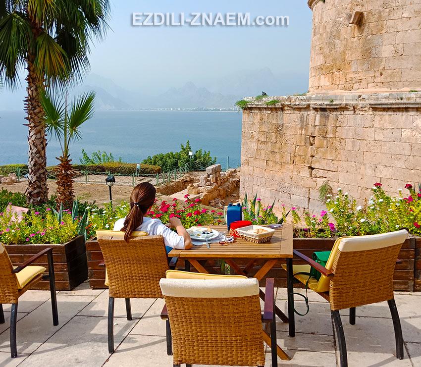Кафе с видом на море, Анталья, Калеичи