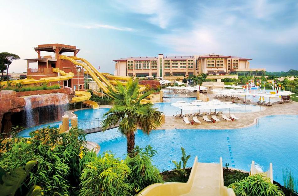 Regnum Carya - отель с открытым бассейном с подогревом