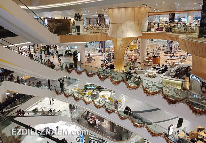 """Внутри торгового центра """"IconSiam"""" в Бангкоке"""