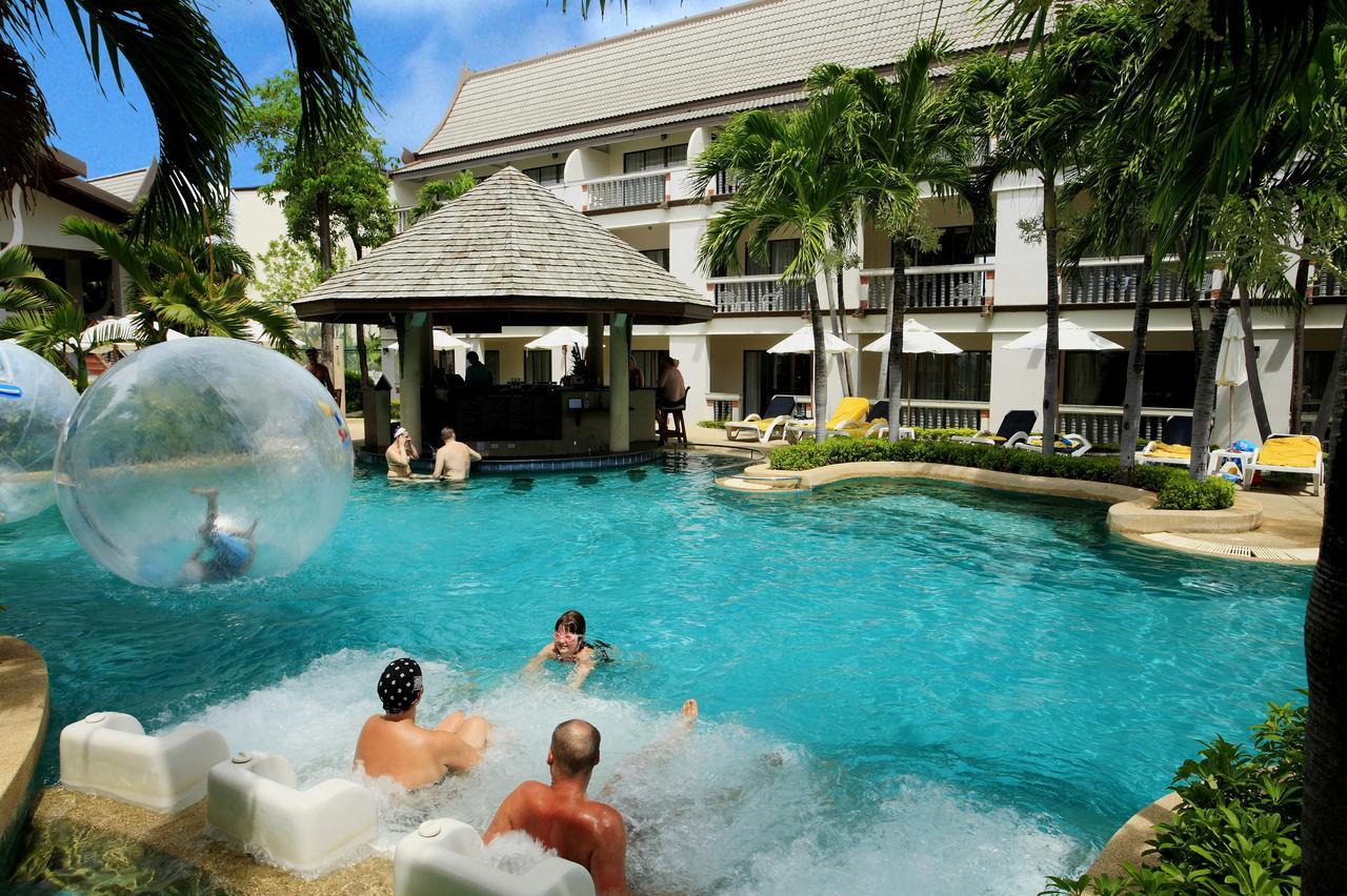 Centara Kata Resort Phuket - отель для отдыха с детьми на пляже Ката