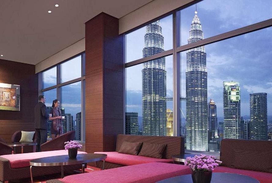 Вид на Петронасы из отеля Traders, Куала-Лумпур