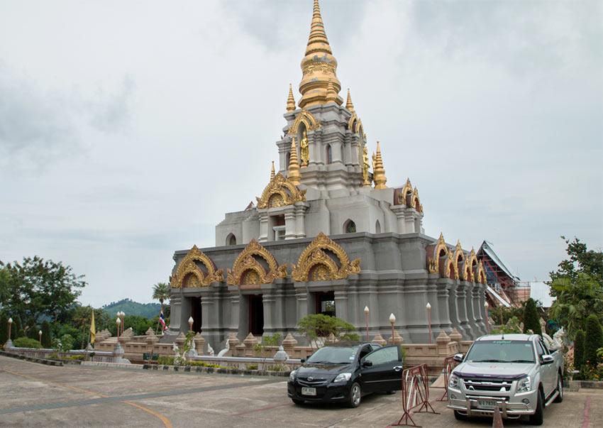 Храм в Мае Салонге