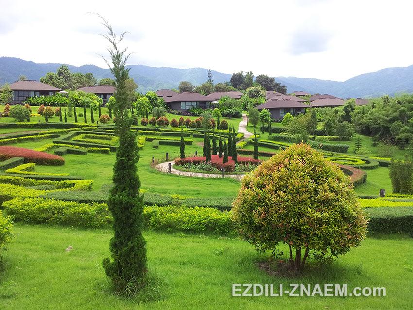 "территория отеля ""Maesalong Flower Hills resort"""