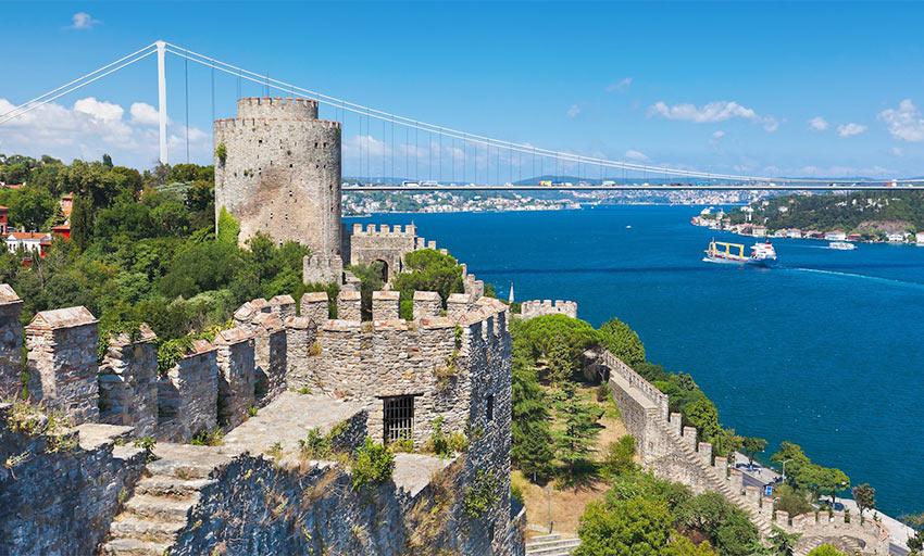 Крепость Румелихисар - одна из самых красивых достопримечательностей Стамбула