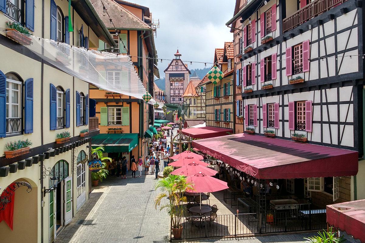 Французская деревня Кольмар в Малайзии