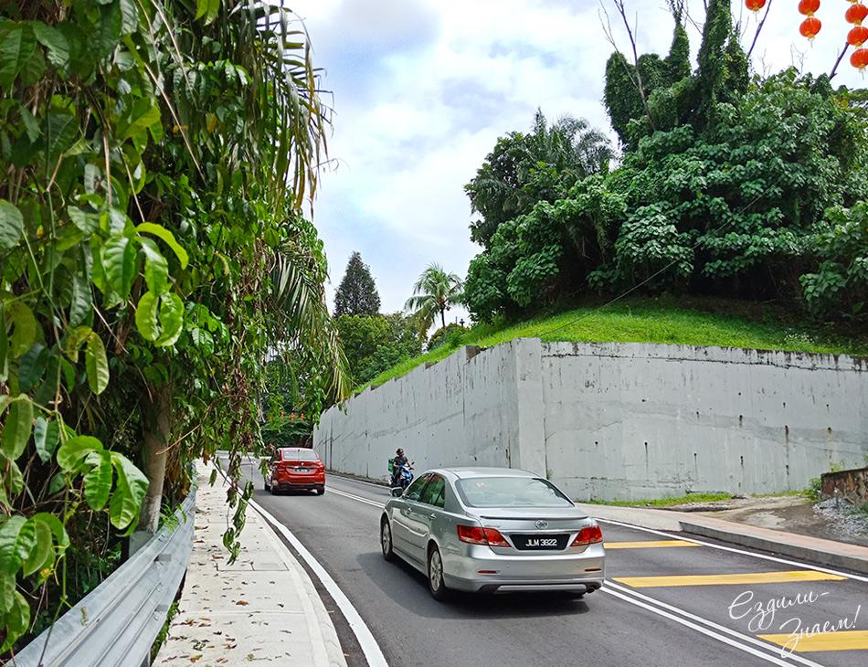 Дорога к храму Тянь Хоу