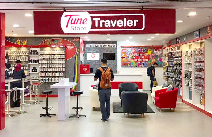 Заказанну. сим-карту заберете в салоне Tune store в аэропорту KLIA2
