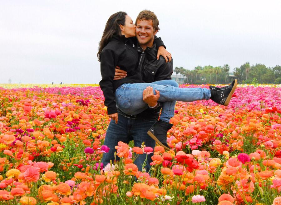 На фото ранчо цветов в Карлсбаде, Калифорния