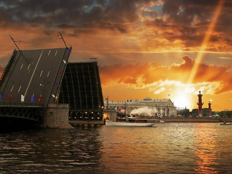 Ночная экскурсия в Санкт-Петербурге