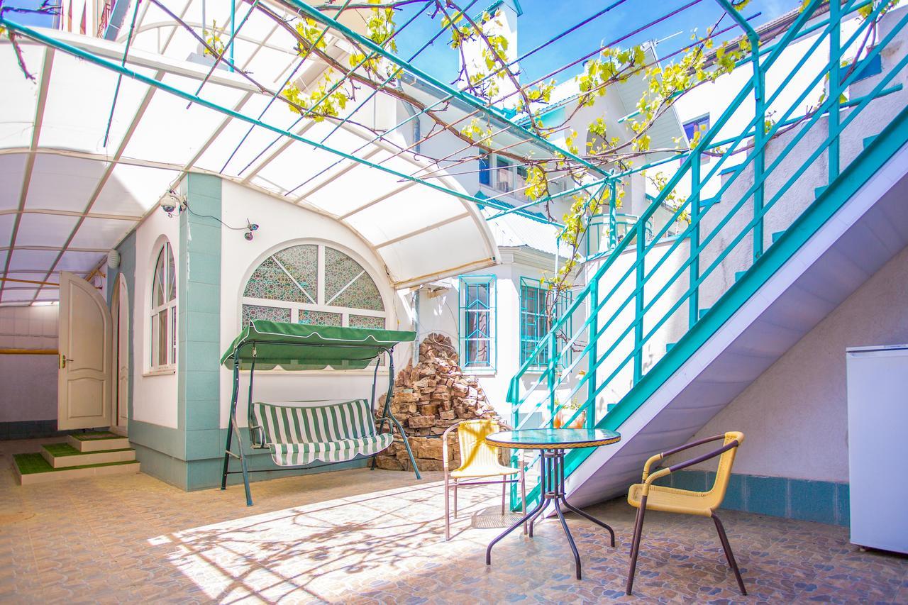 Недорогой гостевой дом на Самбурова