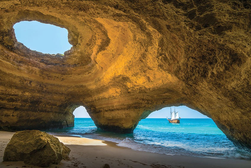 Экскурсия в пещеры пляжа Benagil