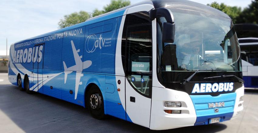 Лучший способ добраться из аэропорта Вероны в город - автобусы Aerobus