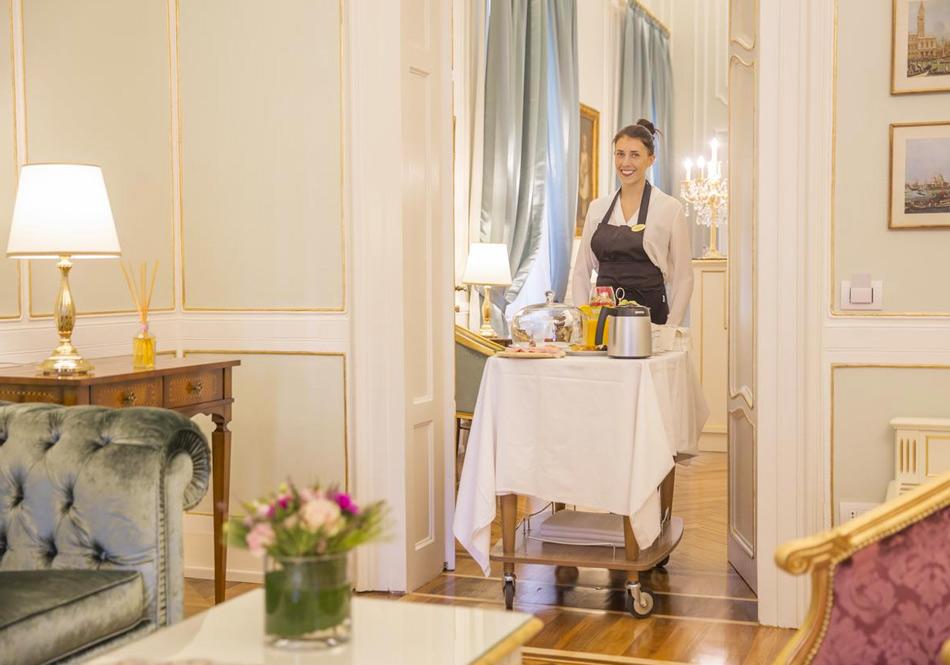 Завтрак в бутик-отеле Palazzo Monga