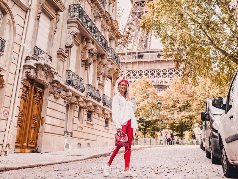 Прогулка по улицам Парижа