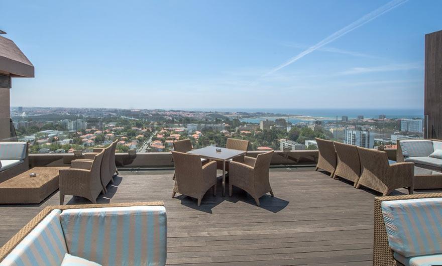 На крыше отеля Porto Palacio