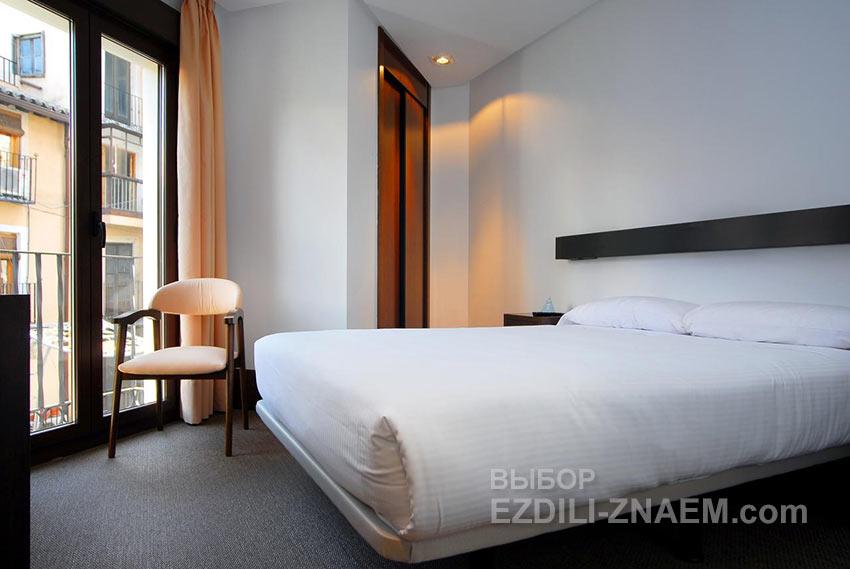 Отличное сочетание цены и качества - отель Domus Zokodover Plaza в Толедо