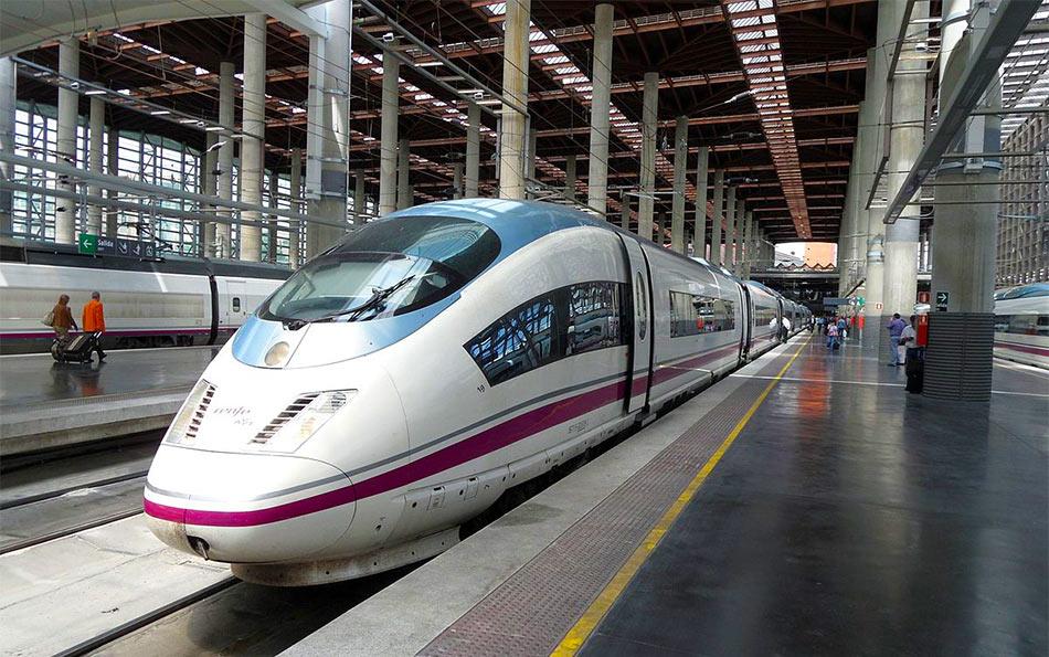 Скоростной поезд AVE до Мадрида, Испания