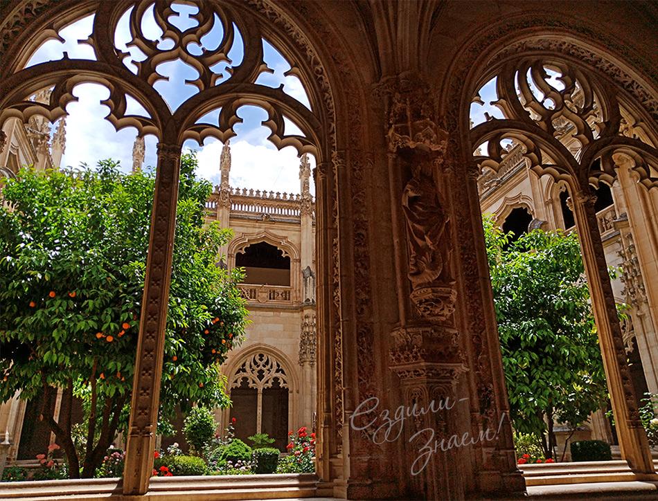 В монастыре Сан Хуан де лос Рейес