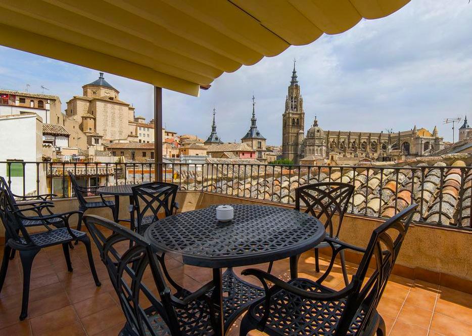 Терраса на крыше отеля Santa Isabel в Толедо