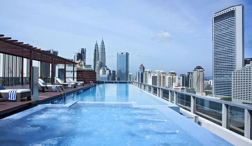 """Бассейн на крыше отеля """"Сомерсет"""" в Куала Лумпур"""