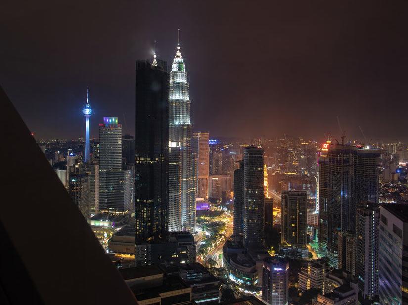 """Вид на башни Петронас из отеля """"Element"""" в Куала Лумпур"""