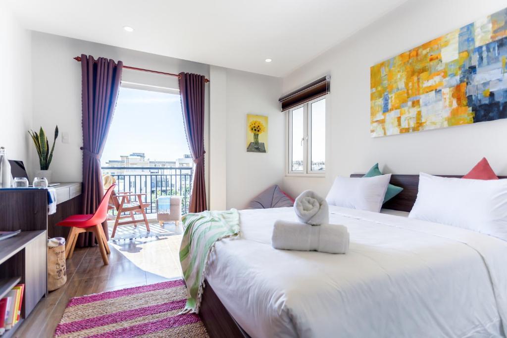 Комната с балконом в отеле Howay Da Nang