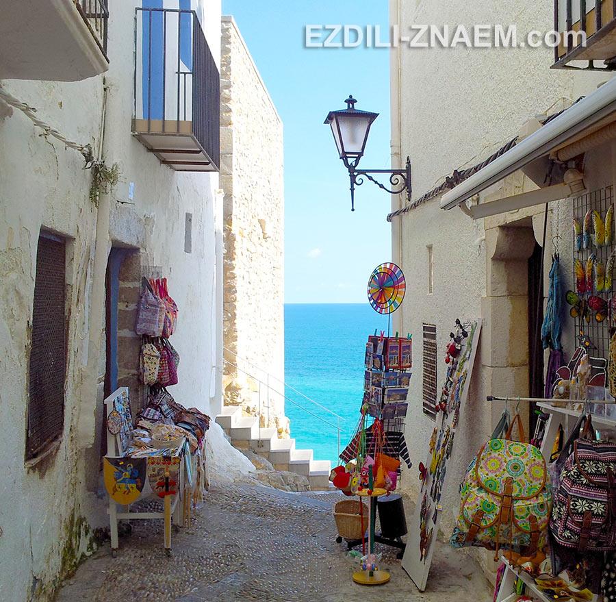 Улочка в старом квартале Пенисколы