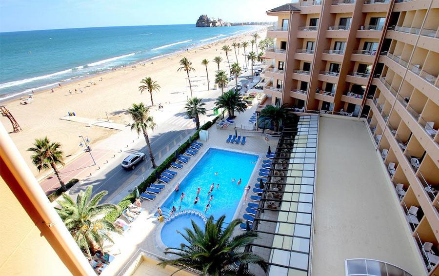 Hotel Peñiscola Palace - хороший отель на первой линии в Пенисколе