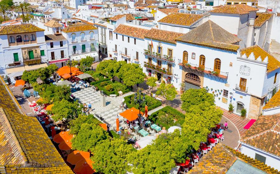 Апельсиновая площадь в Марбелье