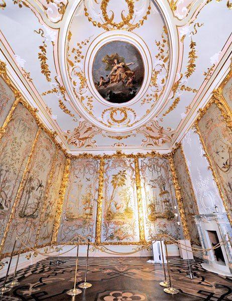 Стеклярусный кабинет в Китайском дворце, в Ораниенбауме
