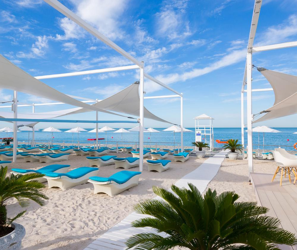 Пляж отеля Radisson Blu Paradise Resort and SPA