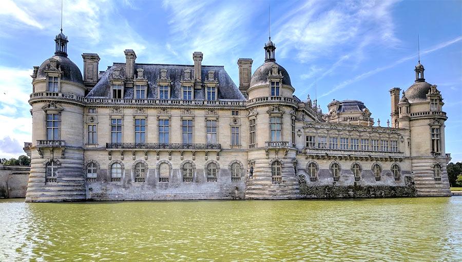 Старинный замок Шантийи, Франция
