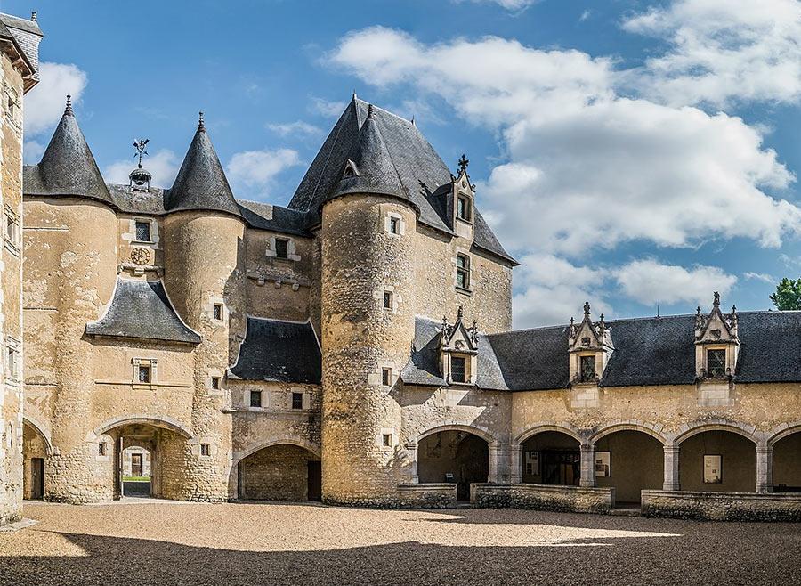 Замок Фужер-сюр-Бьевр