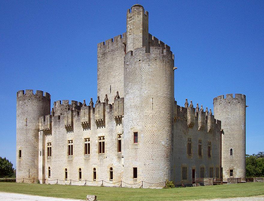 Средневековый замок Роктайд, Франция