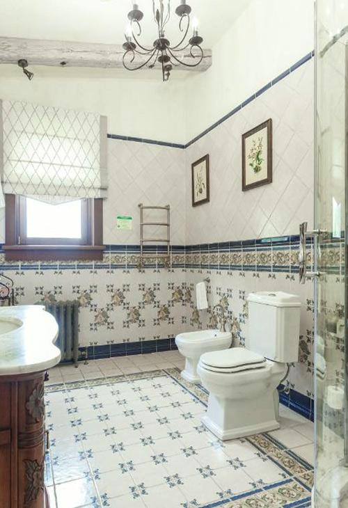 12000 р. Ванная комната в коттедже комплекса «Алтай Резорт»