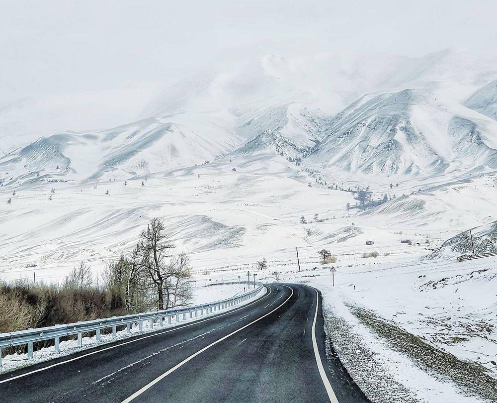 Чуйский тракт - дорога на Алтай зимой