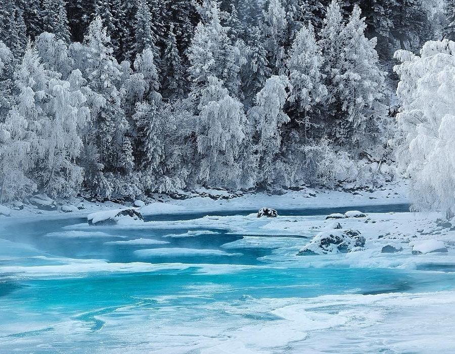 Горный Алтай и река Катунь. Фото Ярослава Макеева