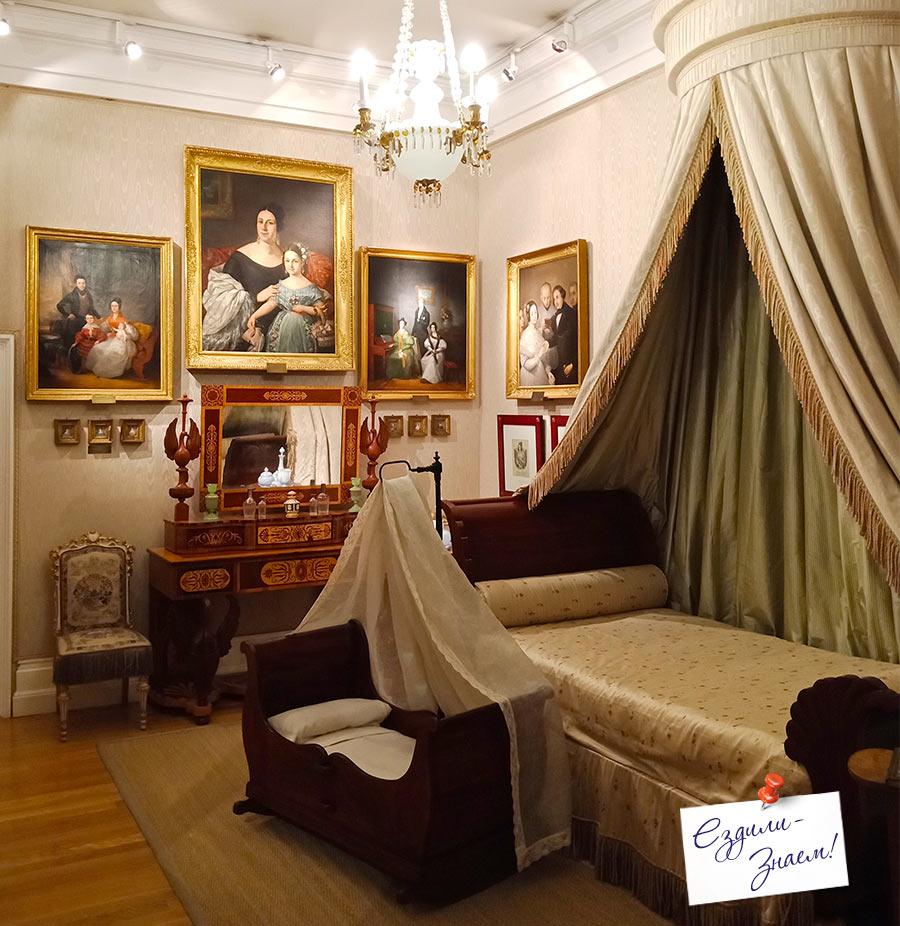 Будуар 19-го века. Музей Романтизма, Мадрид