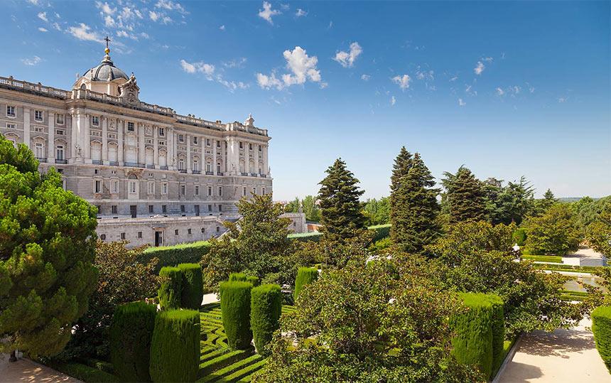 Вид на Королевский дворец и Сады Сабатини