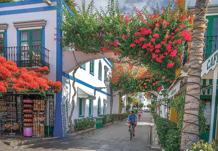 Цветочные арки в стором Пуэрто де Моган